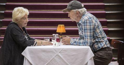 Online-Dating-Senioren Transen schwarze Mädchen Tol